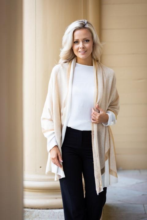Guld sjal- lyxig och elegant sjal beige