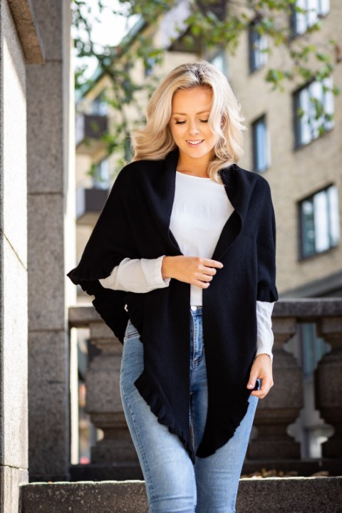 Silvia sjal - triangelformad stickad kashmirsjal svart