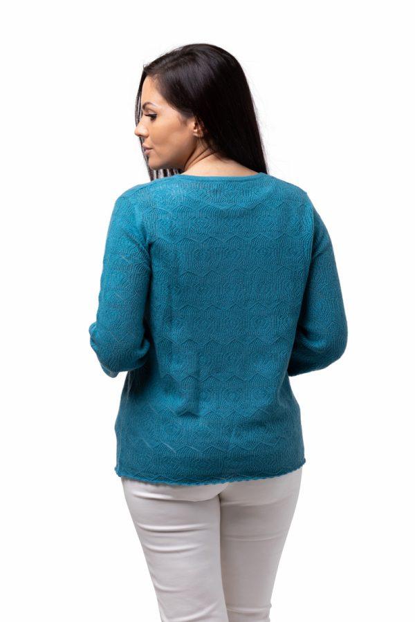 Tröja Filippa - feminin tröja med vackert spetsmönster petrolium
