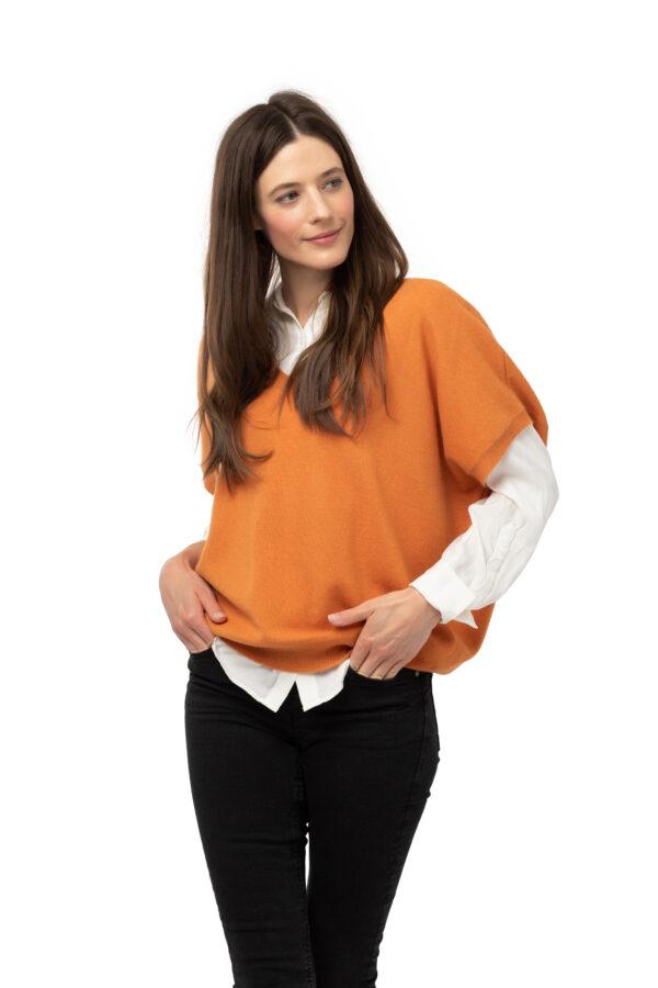 Tröja Elin-kortärmad v-ringad tröja i oversizemodell orange