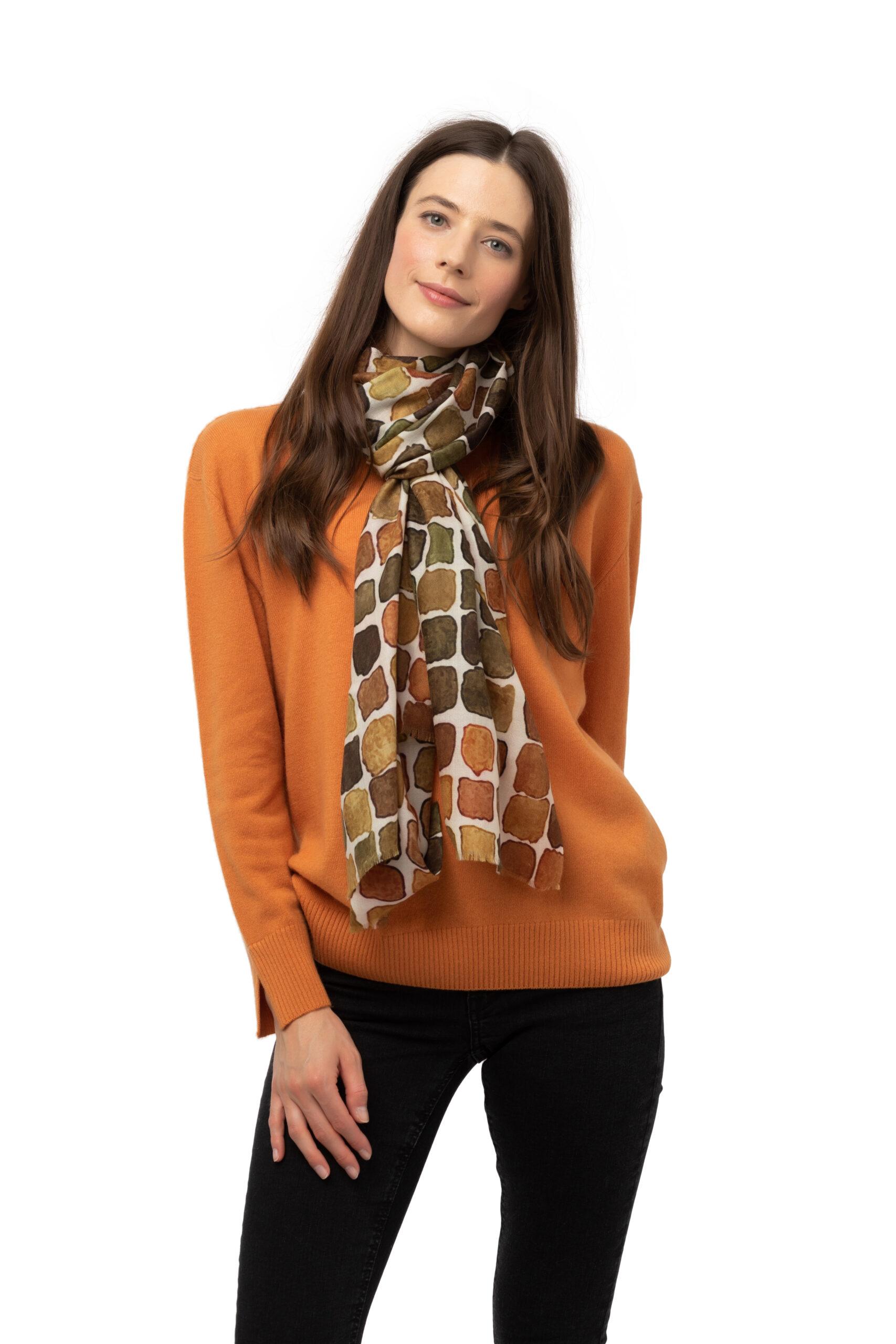 Vävd sjal - kashmirsjal av 8design Cashmere brun