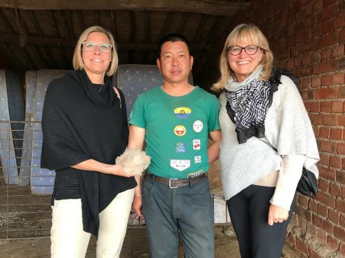 Ägaren till gården vi besökte i inlandet, Inre Mongoliet