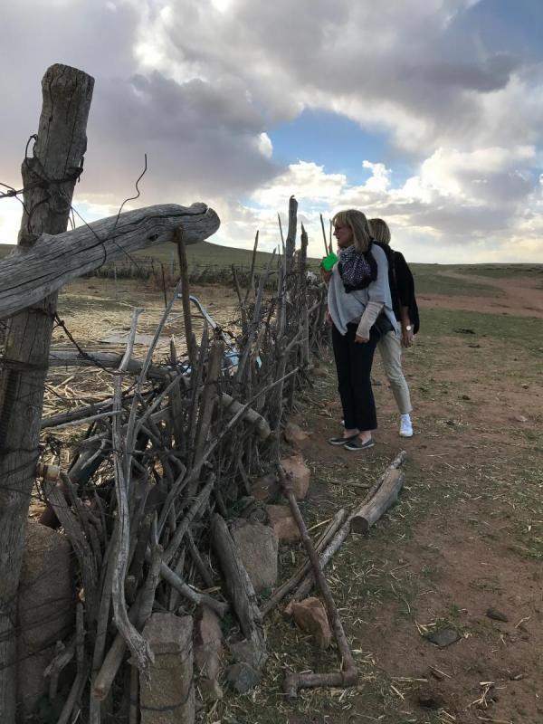Ulrika & Gunilla besöker bondgård i grassland Inre Mongoliet
